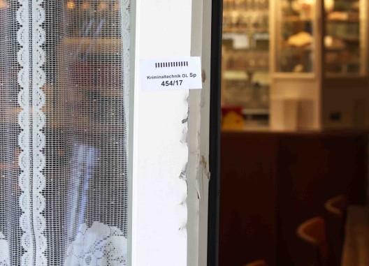 Glarus GL: In Wohnhaus eingebrochen und Schmuck entwendet
