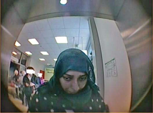 Geldbörsen-Dieb(in) bei Abhebung gefilmt - Polizei bittet um Hinweise