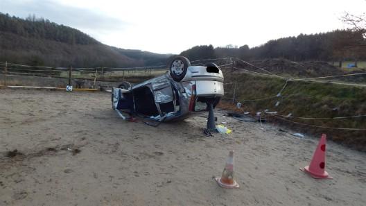 Verkehrsunfall mit einer leichtverletzten Person und Verkehrsunfallflucht