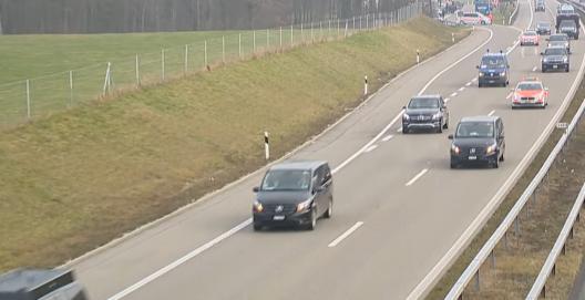 Wängi TG: Donald Trump fuhr im Auto-Konvoi von Davos nach Zürich (Video)