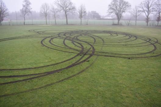 Rasenfläche beschädigt