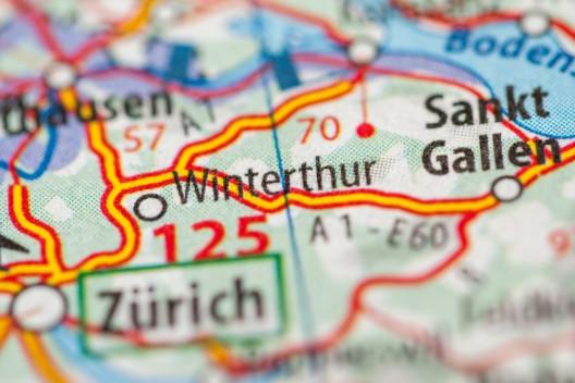 Stadt Winterthur ZH: Mehrere alkoholisierte Autofahrer, einer verursacht Unfall