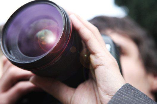 Fotografen können via Bildeinstellungen ganze Berichterstattungen manipulieren.