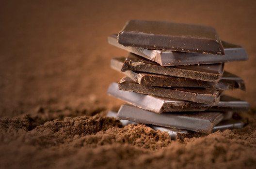 Schweizer essen wieder mehr Schokolade.