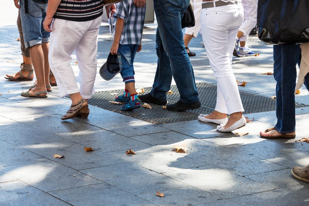 """""""Sozialtouristen"""" werfen ein eher schlechtes Licht auf die grosse Menge der Ausländer. (Bild: terekhov igor / Shutterstock.com)"""