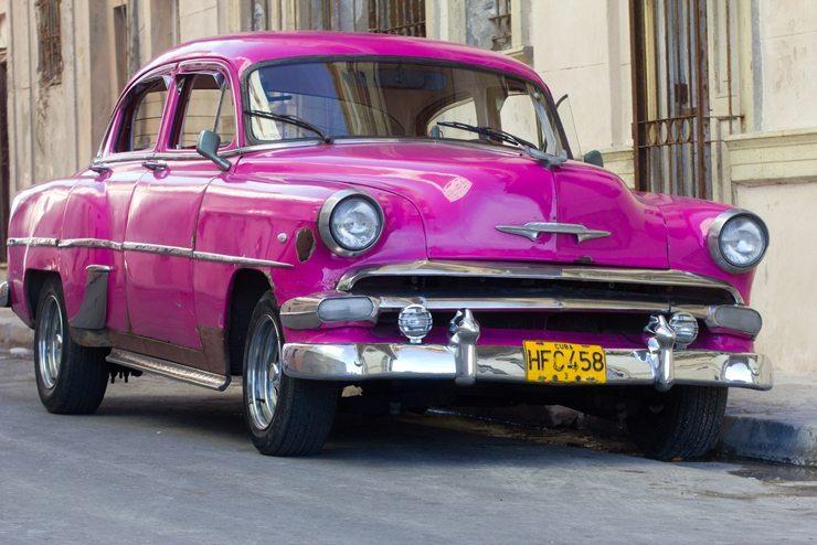 Wer Oldtimer fährt, braucht eine gute Oldtimer Versicherung. (Bild: © claffra - shutterstock.com)
