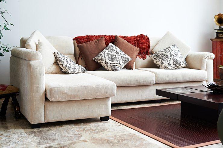Polstermöbel können sooo bequem sein ... (Bild: © Santiago Cornejo - shutterstock.com)