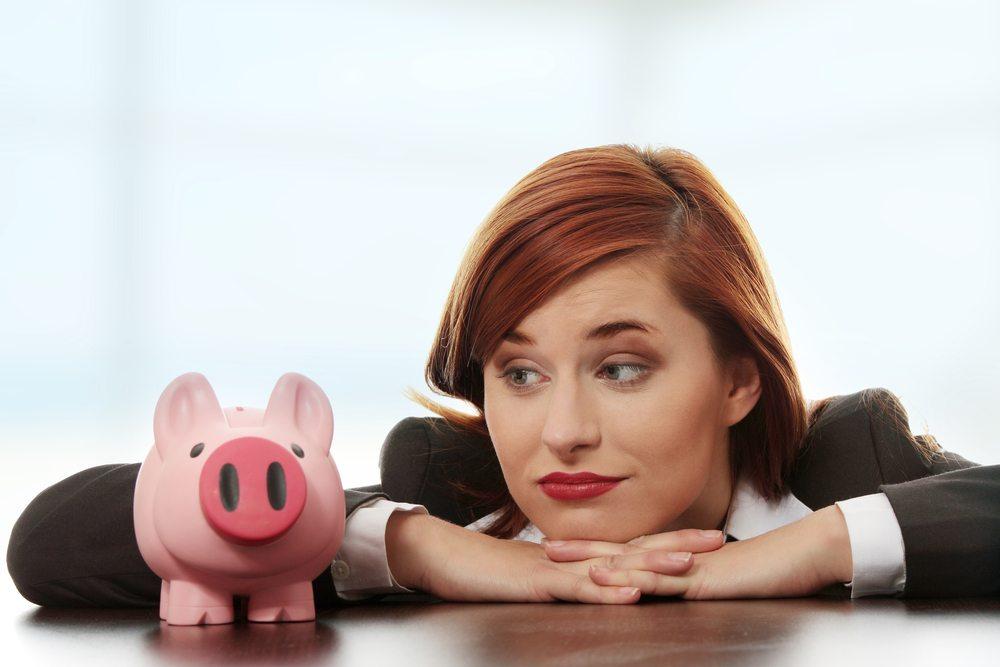 Schweizer Jugend - Sparen wird als wichtig erkannt. (Bild: Piotr Marcinski / Shutterstock.com)