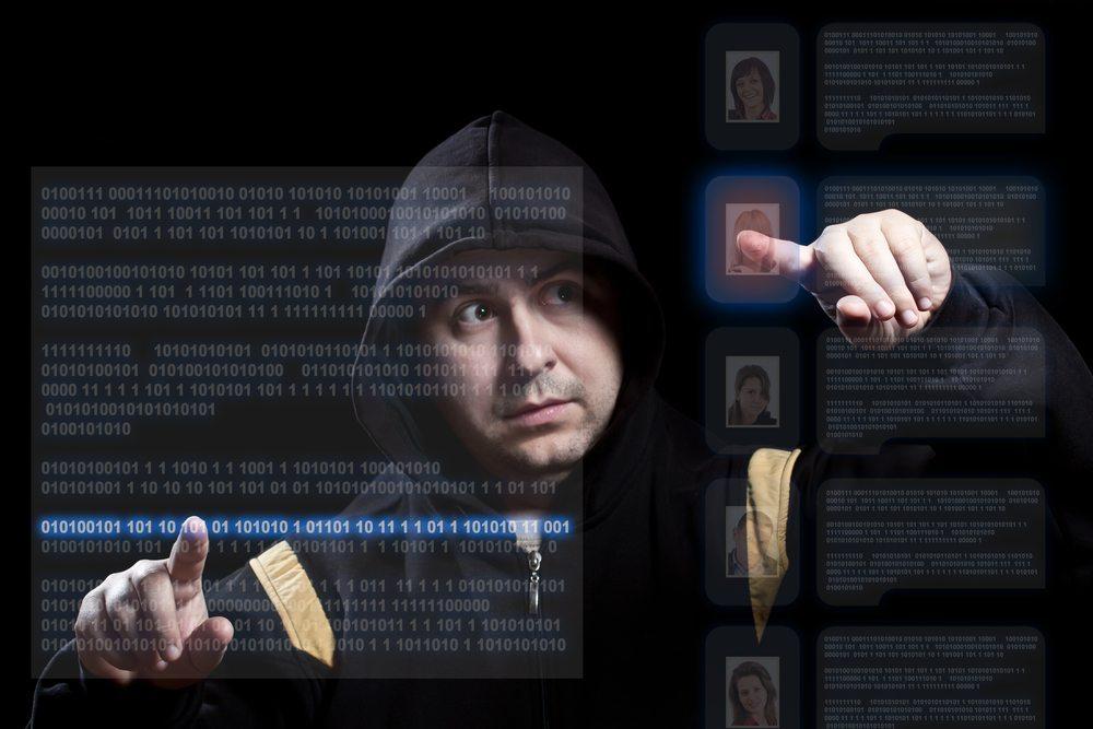 Phishing ist ein verbreitetes Problem im Internet, hierbei werden die Daten der Nutzer ausspioniert. (Bild: grafvision / Shutterstock.com)