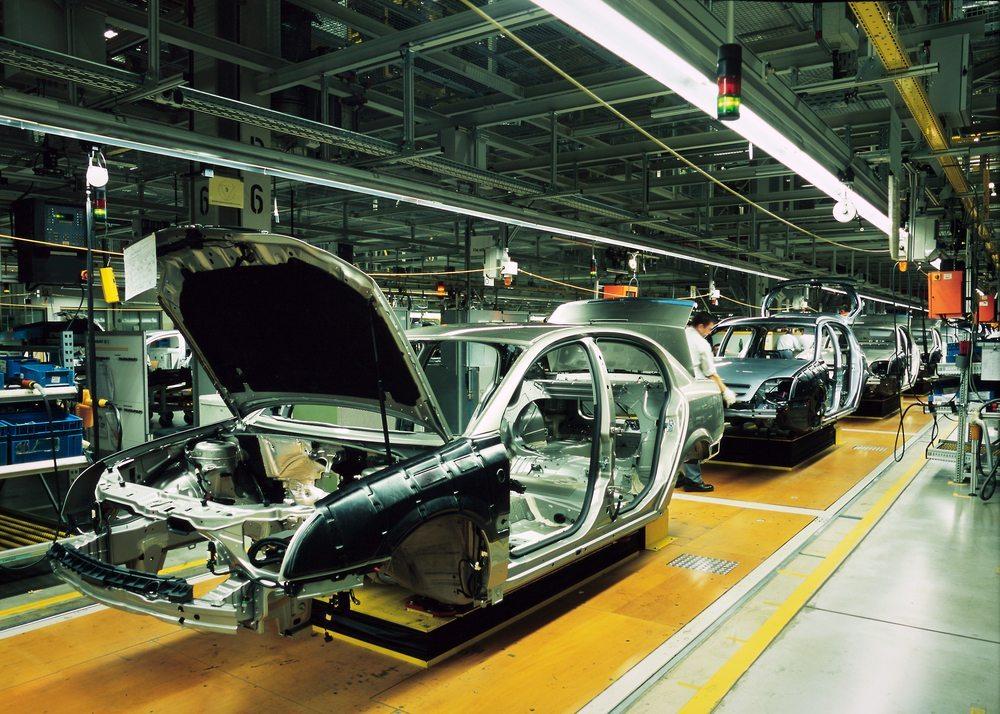 Moderne Fahrzeuge werden auch mit den Technologien der Dahscams ausgebaut. (Bild: Rainer Plendl/Shutterstock.com)