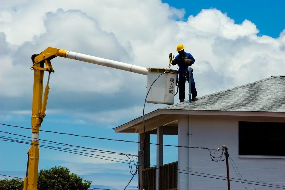 Dem ausführenden Professionisten ist stets die Gelegenheit zu geben, festgestellte Mängel innerhalb einer angemessenen Frist zu beheben. (Bild: Brent Wong / Shutterstock.com)