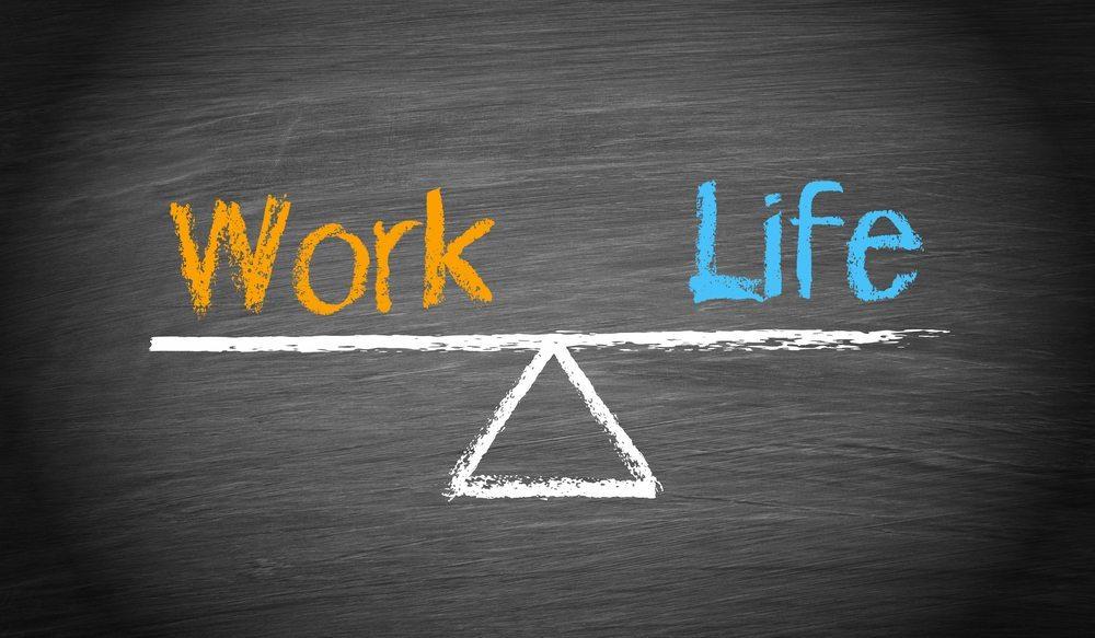 Eine ausser Kontrolle geratene Work-Life-Balance, zu viel Stress, der Druck auf dem Arbeitsmarkt: All dies kann unvermutet schnell zum sogenannten Burn-out-Syndrom führen. (Bild: docstockmedia / Shutterstock.com)