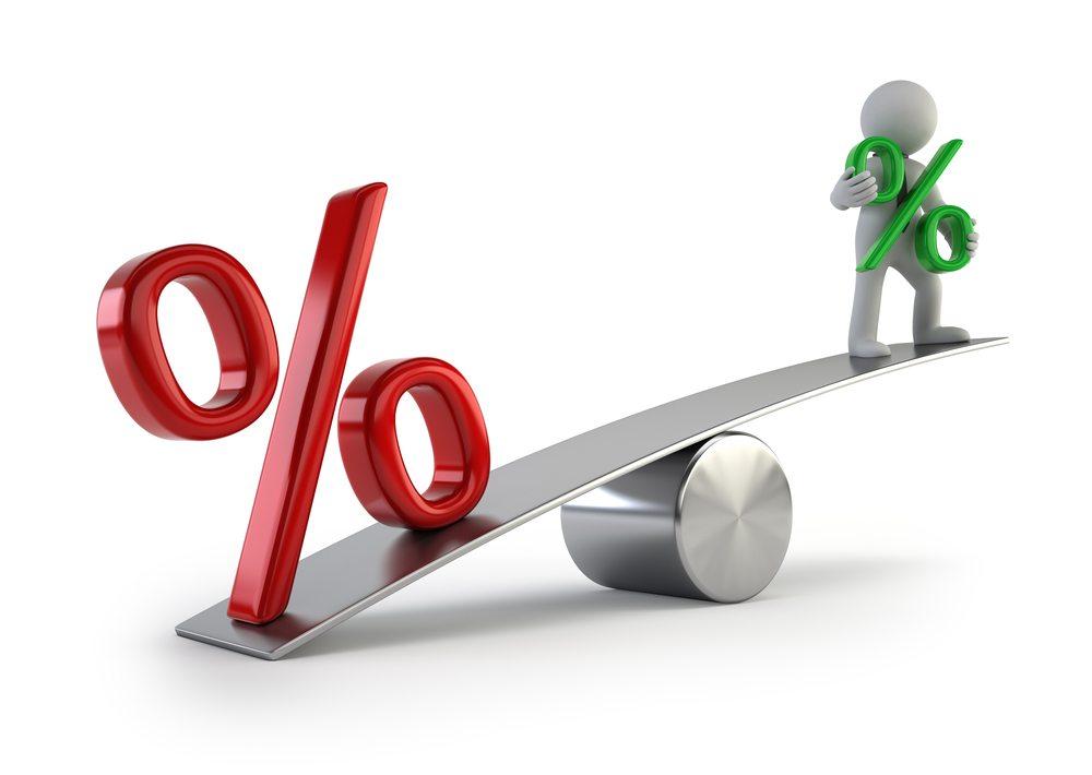 Bundesrätin Simonetta Sommeruga fordert eine Senkung des Maximalzinses für Konsumkredite. Die Branche hat bereits Widerstand angekündigt. (Bild: Art3d / Shutterstock.com)