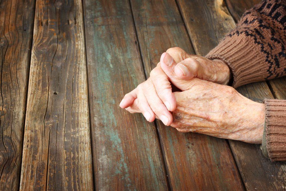 Jeder Mensch erlebt eine Trauer auf seine eigene Weise. (Bild: Tomertu / Shutterstock.com)