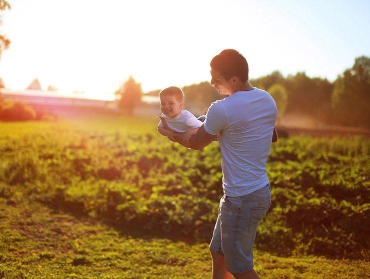 Das Lätzli zur Freude der Eltern. (Bild: © Guas - shutterstock.com)