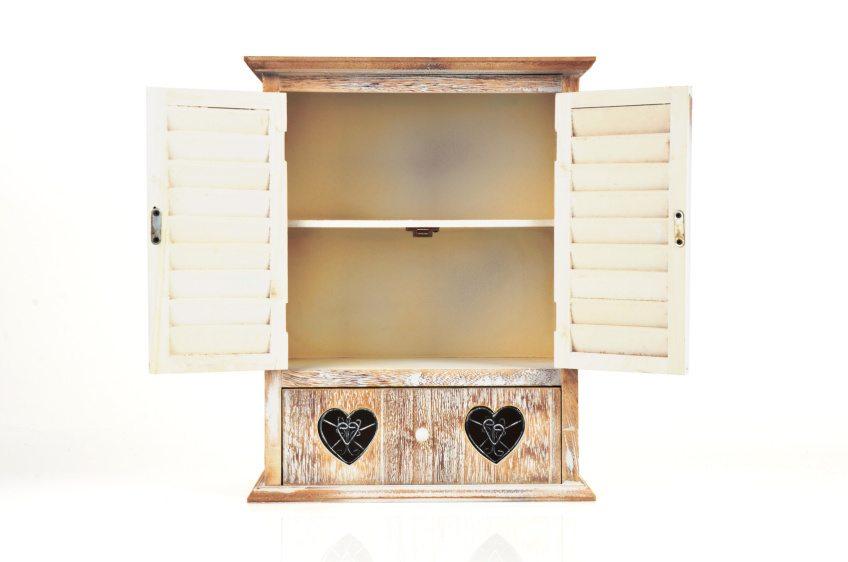"""Massivholzmöbel brauchen hin und wieder einen Anschliff - ansonsten sind sie """"für die Ewigkeit"""" gemacht. (Bild: © lciva_design - Fotolia.com)"""
