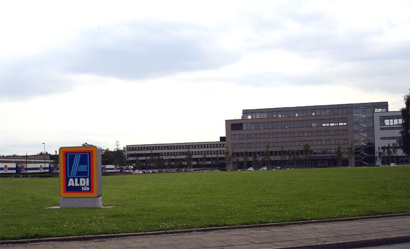 Aldi-Süd Zentrale in Mülheim an der Ruhr (Bild: © Omi´s Törtchen - CC BY-SA 3.0)