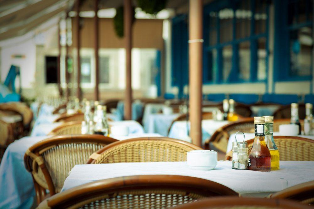 Gaststätten beschweren sich weiterhin über 8 Prozent Mehrwertsteuer. (Bild: science photo / Shutterstock.com)