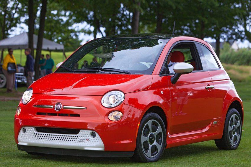 Als Einzelperson braucht man sicherlich nur einen komfortablen Kleinwagen (Bild: Darren Brode / Shutterstock.com)