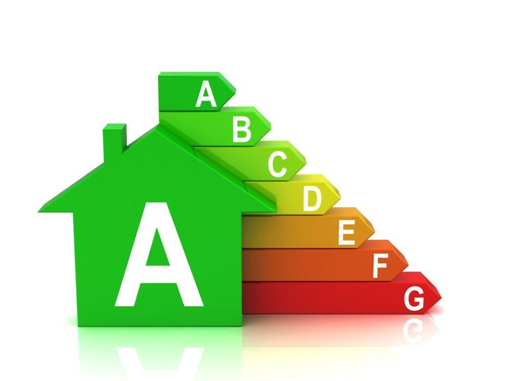Wer beim Kauf neuer Haushaltsgeräte auf den Energieverbrauch achtet, kann im Haushalt Energie- und Betriebskosten sparen. (Bild: You-can-more / Shutterstock.com)