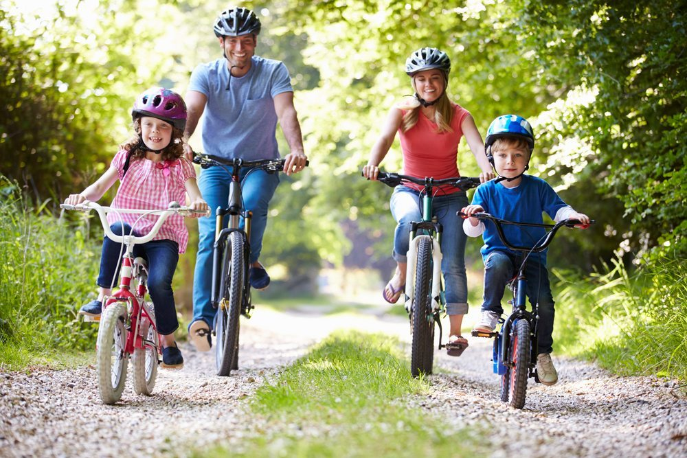 Familie und Freizeit gewinnen an Wichtigkeit und rangieren vor der Arbeit. (Bild: Monkey Business Images / Shutterstock.com)