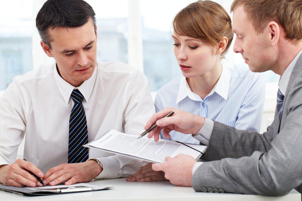 Sachlichkeit und einige Techniken der Kommunikation können das Stress-Level oftmals senken. (Bild: Pressmaster / Shutterstock.com)