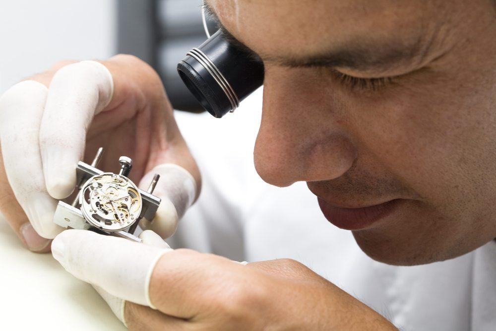 Swatch Sistem 51, die mechanische Uhr für 150 Schweizer Franken erschliesst Swatch ein neues Marktsegment. (Bild: Daniel Wiedemann / Shutterstock.com)
