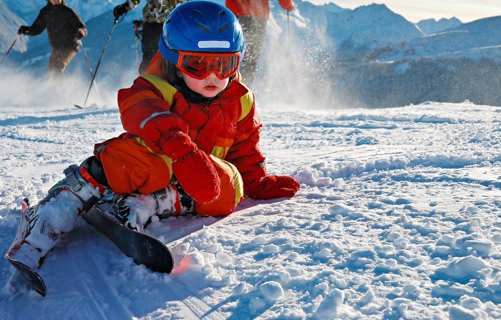 Ein paar Typs fuer Aenfaenger bei dem Skifahren. (Bild: ER_09 / Shutterstock.com)
