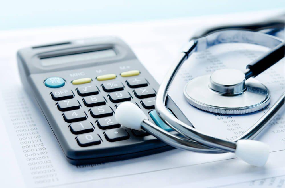 2014 sind viele Gesundheitsleistungen deutlich teurer geworden. (Bild: pogonici / Shutterstock.com)