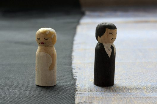 Allein für 2013 weist das Statistische Bundesamt etwas mehr als 17.000 Ehescheidungen in der Schweiz. (Bild: nathings / Shutterstock.com)
