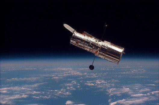 Hubble kreist seit 25 Jahren um die Erde. (Bild: NASA, Wikmedia)