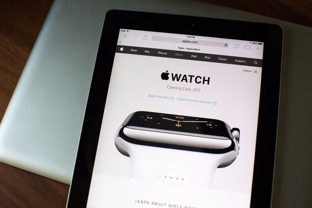 Die Smartwatch wird mühelos Wettbewerber wie Pebble, LG oder den Platzhirsch Samsung hinter sich zurücklassen. (Bild: © aradaphotography - shutterstock.com)