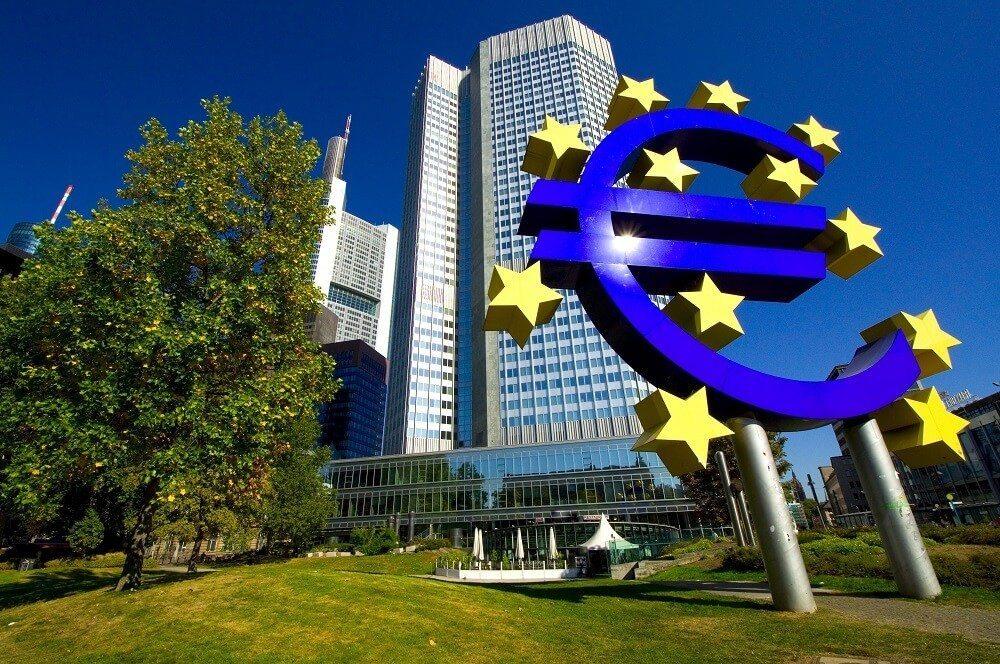 Die Kritik der USA an der Geldpolitik der EZB (Bild: © VRD - fotolia.com)