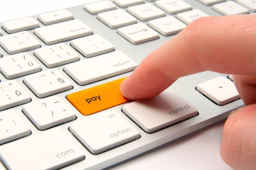 Elektronische Bezahldienste haben sich zu einer ernstzunehmenden Konkurrenz entwickelt. (Bild: © Jirsak - shutterstock.com)