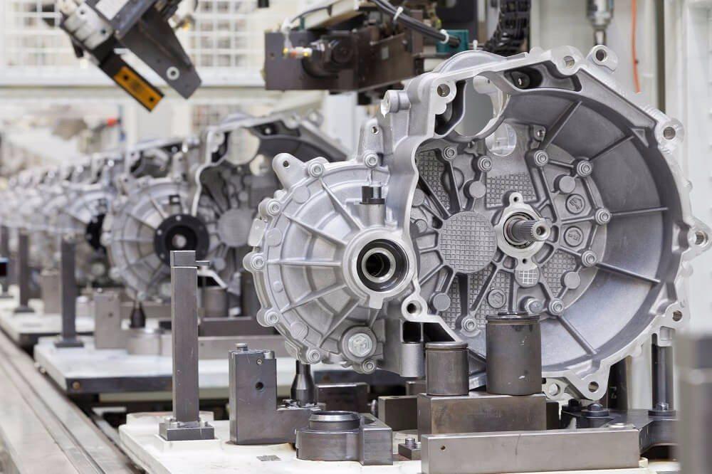 Aluminium wird in der Luft- und Raumfahrt, aber auch beim Fahrzeugbau verwendet. (Bild: © Marco Herrndorff - fotolia.com)