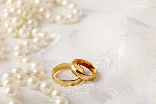 Die Zahl der Eheschliessungen in der Schweiz befindet sich auf einem Höhenflug. (Bild: © kuleczka - shutterstock.com)