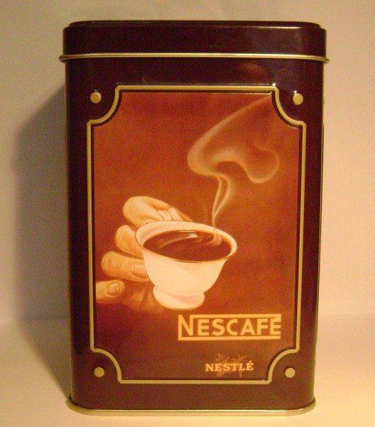 1938 wurde der erste lösliche Kaffee, der Nescafé, erfunden. (Bild: © Albertyanks - GNU)