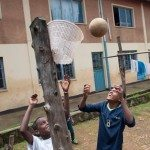 abebech_gobena_kinderheimkinderspielenbasketball