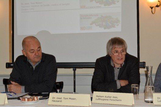 Kinderarzt Marco Maurizio und Hausarzt Toni Moser an der Medienkonferenz der AefU in Bern. (Bild: © AefU)