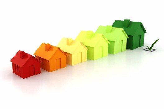 Niedrigenergiehäuser benötigen etwa 30 % weniger Energie für Heizwärme und Warmwasser. (Bild: © Digital Genetics - shutterstock.com)