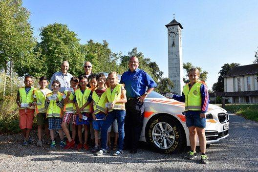 Zu verstärkter Aufmerksamkeit bei Schulbeginn mahnt die Schaffhauser Polizei Autofahrer. (Bild: © Schaffhauser Polizei)