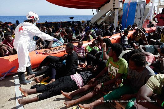 327 Menschen gerettet. (Bild: © obs/Schweizerisches Rotes Kreuz / Croix-Rouge Suisse/Yara Nardi)