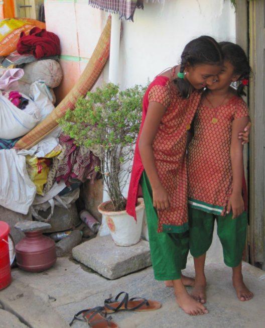 Indische Mädchen: 1 von 5 indischen Mädchen bricht die Schule ab, nach Einsetzen ihrer Periode. (Bild: erdbeerwoche)