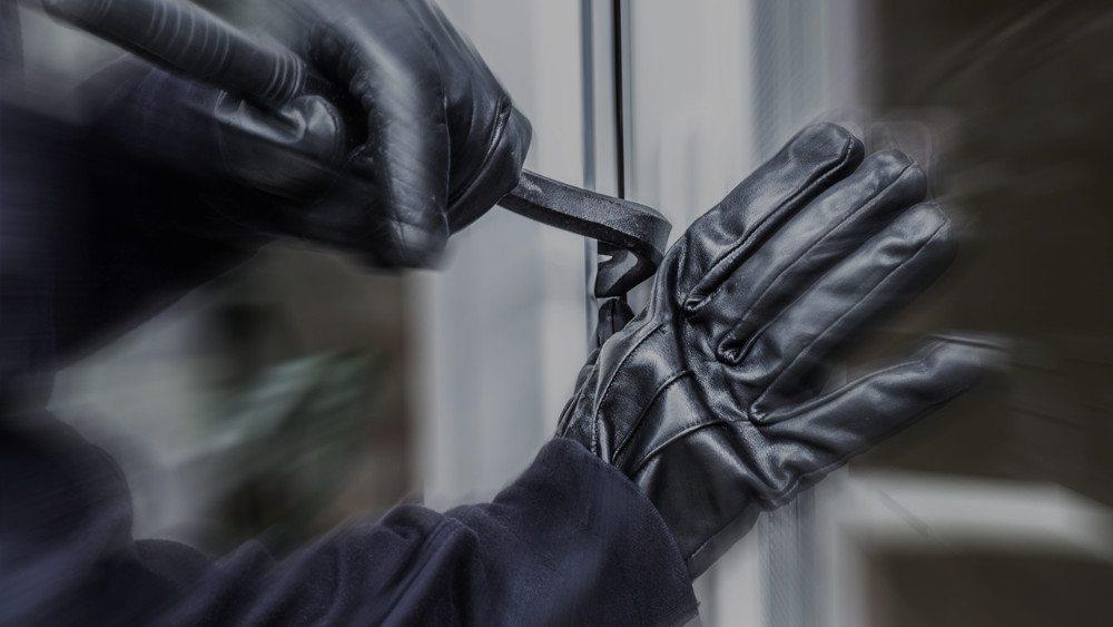 Trin/Tamins:Gestohlener Tresor und Personenwagen aufgefunden