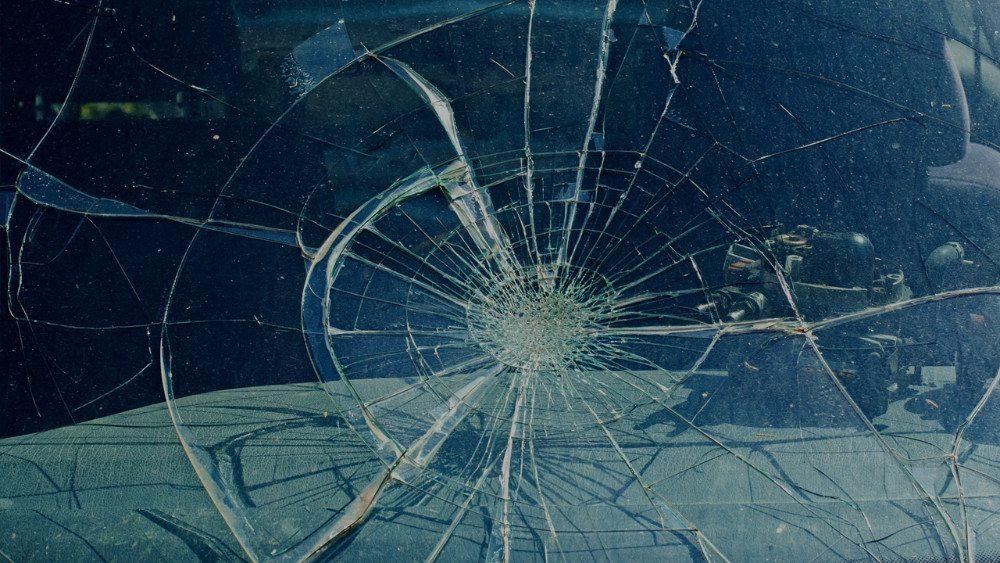 Seegräben: Frontalkollision fordert drei Verletzte