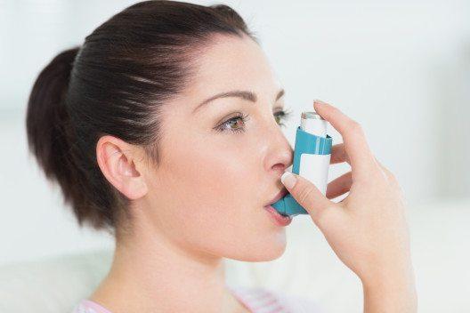 Forscher haben Riechrezeptoren in Bronchien entdeckt. Dies könnte eine mögliche Hilfe bei Asthma und chronischer Lungenerkrankung sei. (Bild: © wavebreakmedia - shutterstock.com)
