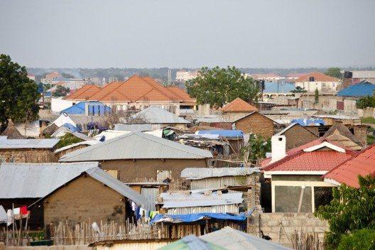 Die Bibelgesellschaft betreibt im Südsudan Bibelverbreitung, Traumahilfe und Alphabetisierung. (Bild: © John Wollwerth - shutterstock.com)