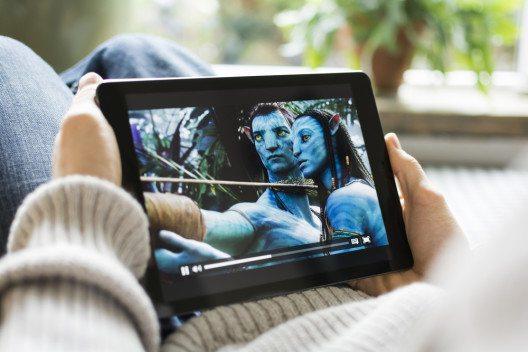 Piraten setzen auf Streaming, nicht mehr auf Downloads und Torrents. (Bild: © Twin Design - shutterstock.com)