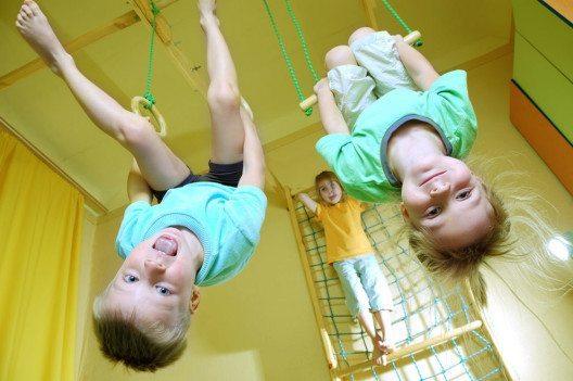 Ein unterschätzter Aspekt für den Lernerfolg ist genügend Bewegung. (Bild: Cherry-Merry – Shutterstock.com)