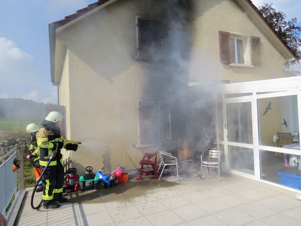 Hausbrand in Seon (© Kantonspolizei Aargau)